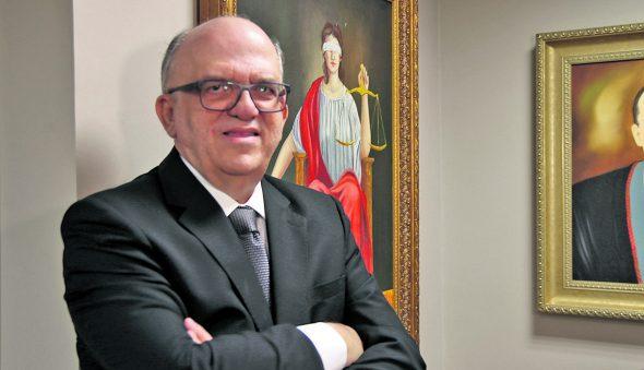 Fernando Ximenes: o decano e a democracia