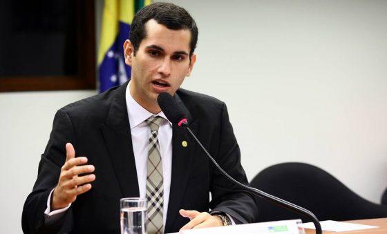 Deputado Domingos Neto está representando bem o Ceará