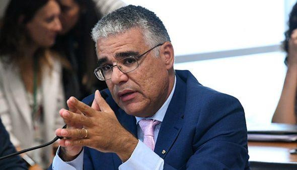 Comitiva de senadores prega o diálogo para resolver impasse da crise de segurança no Ceará