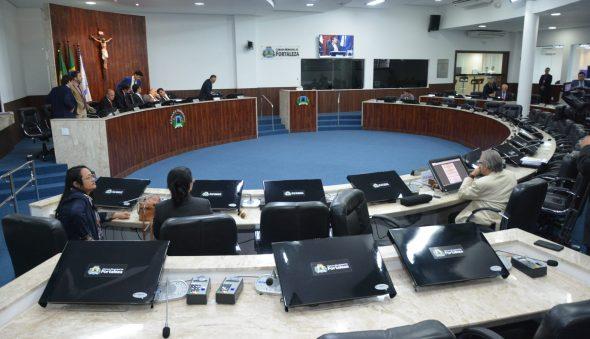 Vereadores reconhecem calamidade  e autorizam compras do prefeito sem licitação