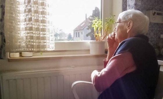 Como trabalhar a saúde mental da pessoa idosa durante o isolamento?