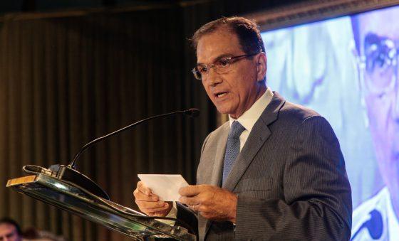 Beto Studart afirma estar indignado com os rumos atuais da gestão Bolsonaro