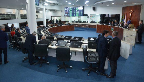 Poderes estaduais e municipais avançam em retomada de atividades presenciais no Ceará