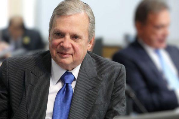"""""""Vamos precisar muito do investimento privado"""", diz Tasso sobre crise econômica"""